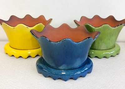 Crowns, pots with plates