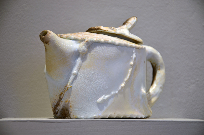 Teapot with oak leaves